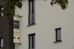 Straatbeeld Italia Hotel