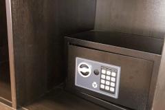 Elke hotelkamer is voorzien van een veilige kluis